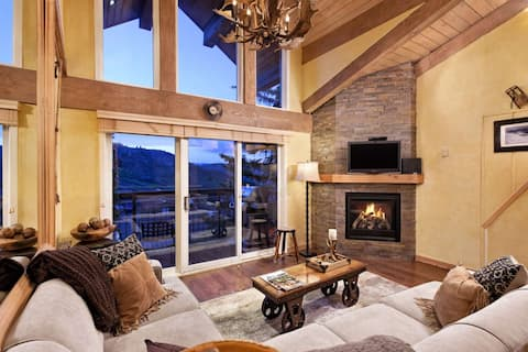 Snowmass Mtn Crestwood Ski-In/Out. Long Term Stay discounts! Pool/Hot Tub, Lots of Beds Free Shuttle