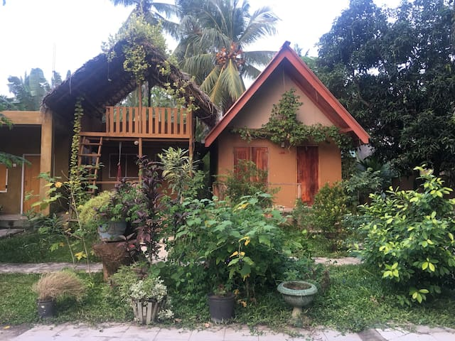 Family Cottage by YALA WILD SAFARIS