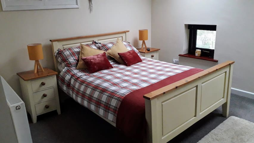 The Cwtch @ Coed Pen , private, cosy,  annex