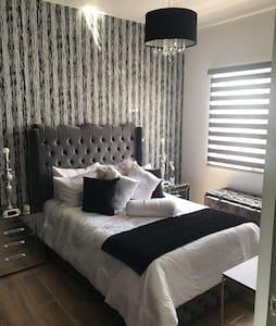 Bonita habitación equipada  al norte de zapopan