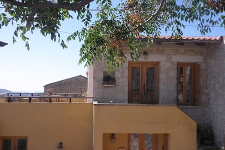 Renovated stone house, close to sea, airport. - Stamni