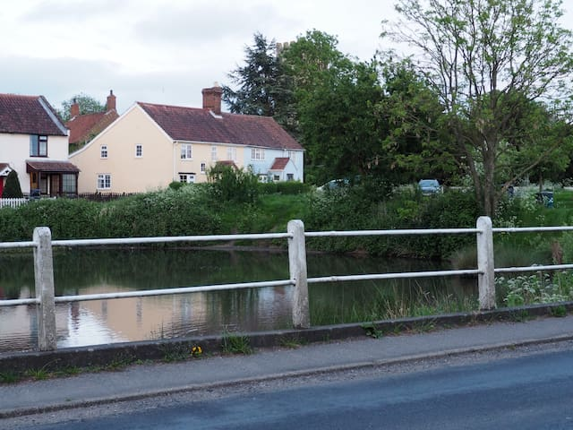 Lovely cottage by a church, a pond and the common.