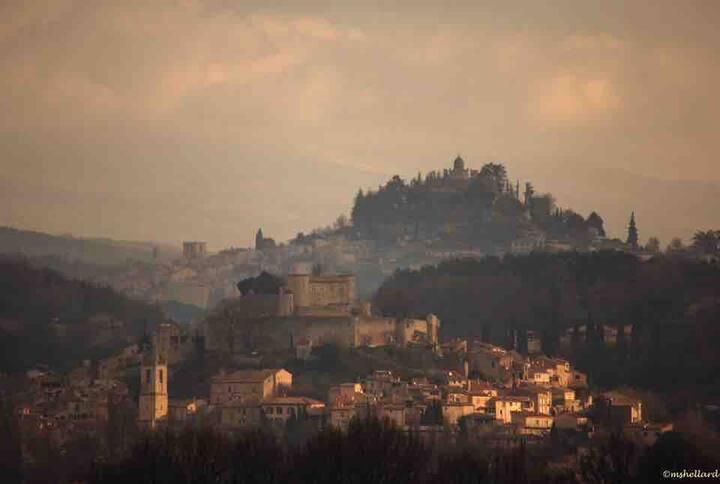 Au coeur d un village historique de Haute Provence