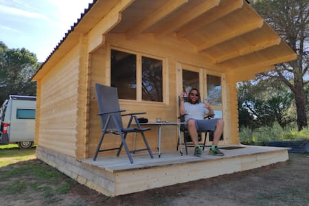 A wooden house to live in - 2P