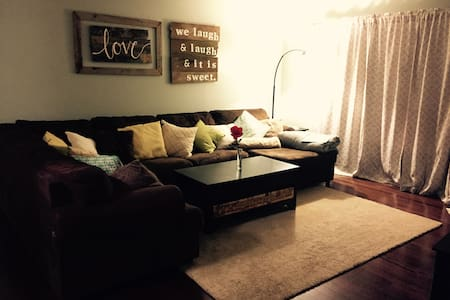 1 Bedroom & Private Living Space - Gresham