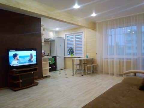 Kahden makuuhuoneen huoneisto euro-korjauksella keskellä