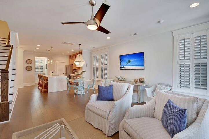 The Crosswinds - 3 Bedroom/ 3 Bath Home - Minutes from the Beach