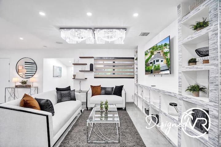 Modern & Sleek 4BR  Home