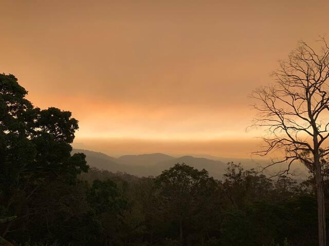 Mountain retreat  Bush paradise,  panoramic views