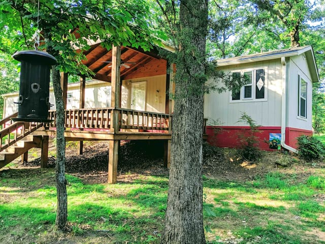 Secluded Texoma 3-bedroom deep in 40 wooded acres