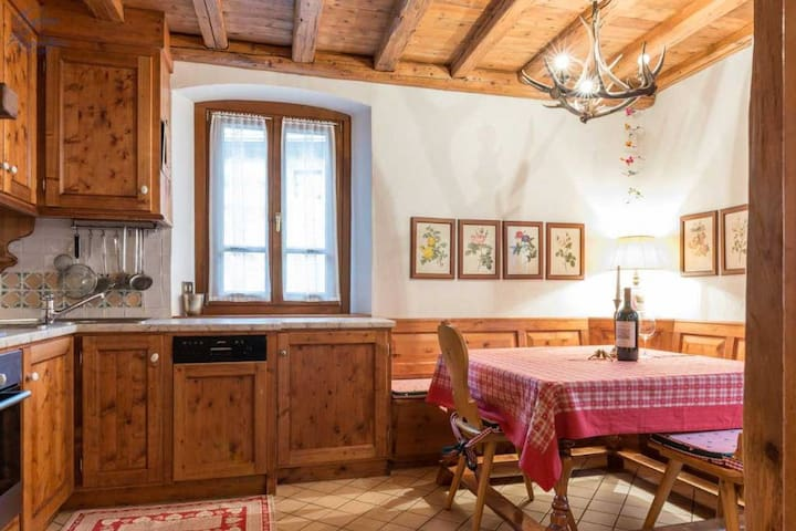Warm and cozy home in the heart of Cortina - Cortina d'Ampezzo - Daire