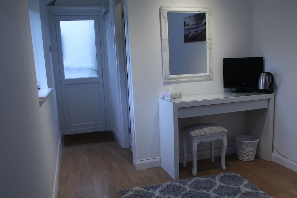 Private entrance and dressing table