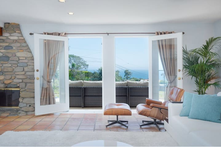 Malibu Beach House Panoramic Views (COVID) PROMO