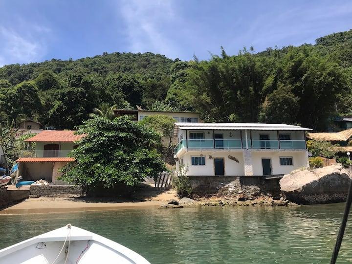 Recanto das Tartarugas -casa c/praia particular...