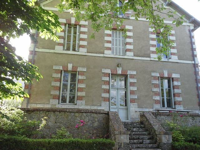 House with Park within famous Loire Valley Castles - Cellettes - Huis