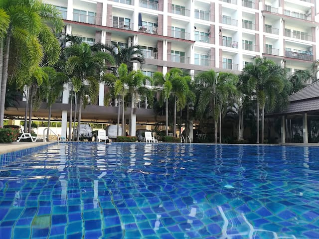 Resort studio room in Bangsaray 5mins to beach.