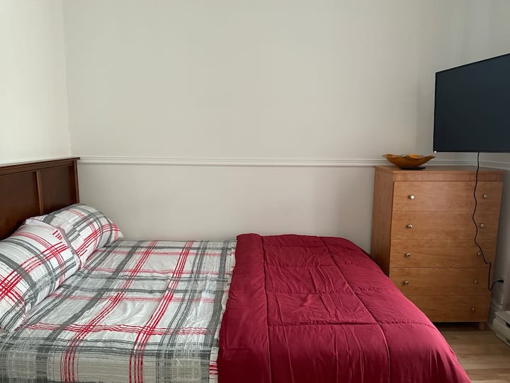 (2) beautiful spacious room, clean and affordable