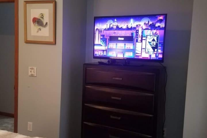 Bedroom #1 TV/Roku