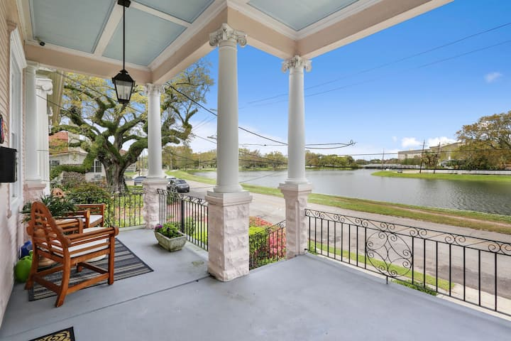 Unbeatable Location Luxury renovation on The Bayou