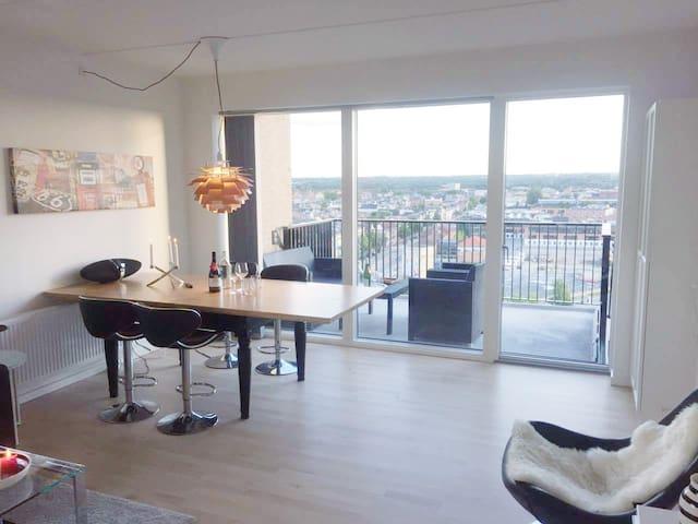 Luxury Penthouse - 3 bedrooms - Perfect location!