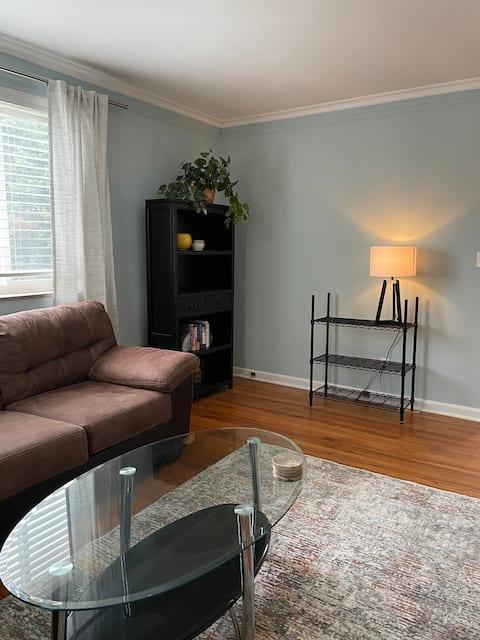 Enjoy our Cozy Garage Apartment