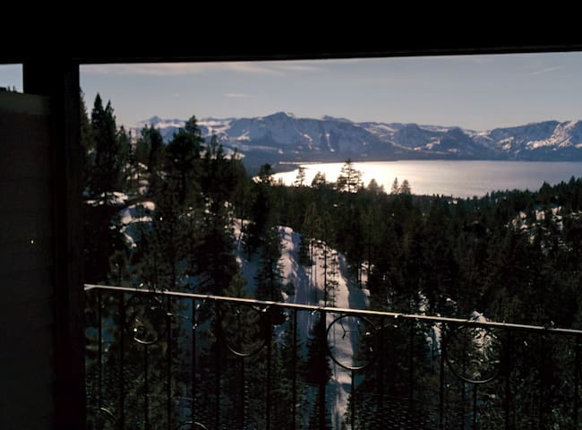 2 bedroom Tahoe condo with spectacular lake view