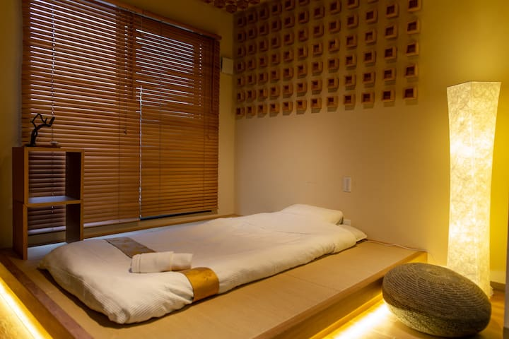 The Pagoda Experience :Kyoto St, Deluxe room, 305
