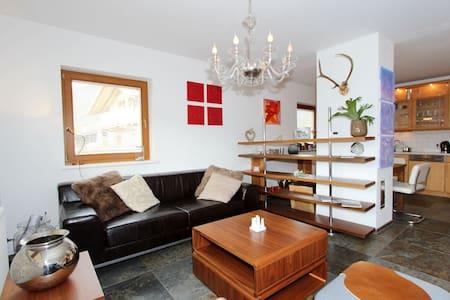 Sfeervol appartement in Söll met een zonnig balkon