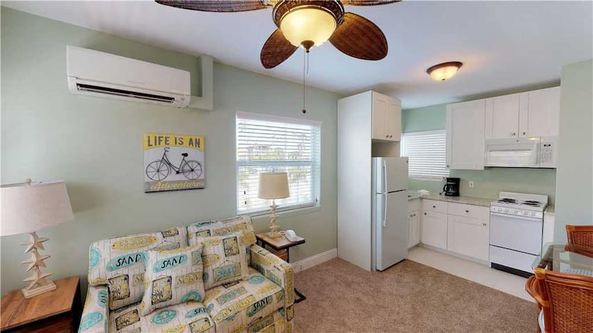 Cute and Cozy One Bedroom w/ Kitchen unit at Surf Song Resort John's Pass. Sleeps two comfortably. Free WiFi  - #212 Surf Song Resort