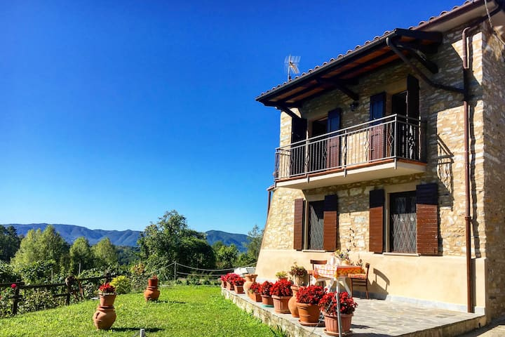 Ca di Narola country house with pool and view