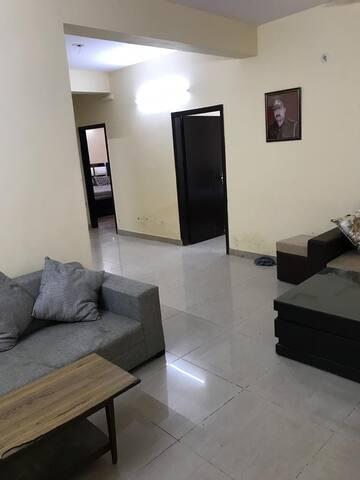 FULLY FURNISH 3 BEDROOM FLAT NEAR INDIA EXPO MART