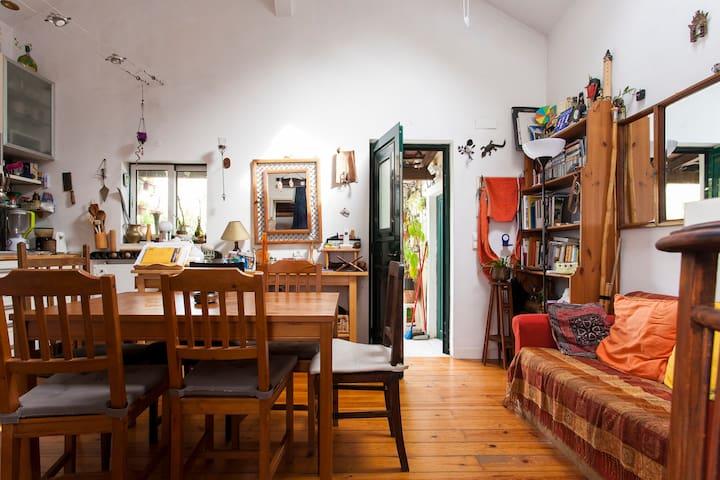 Typisches Lissabon Haus (drei Zimmer)