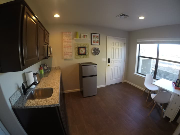 Newly Remodeled Apartment -less than a hotel room!