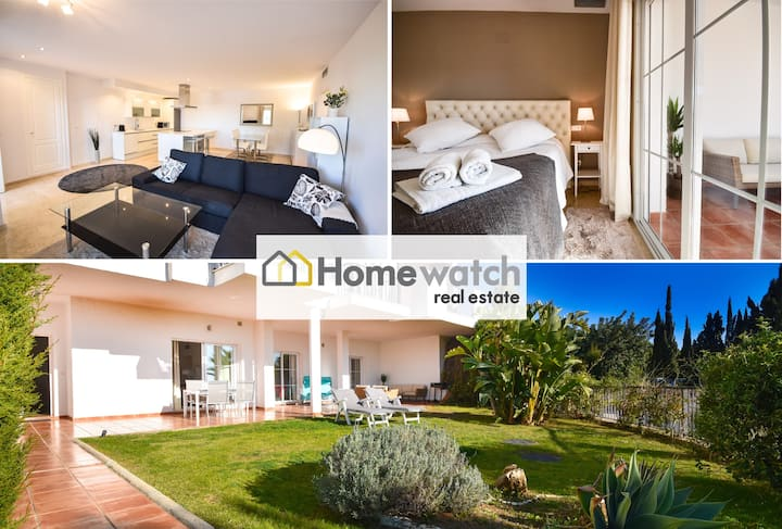 Stunning modern holiday home with private garden and amazing views in Balcones del Lago, Istán