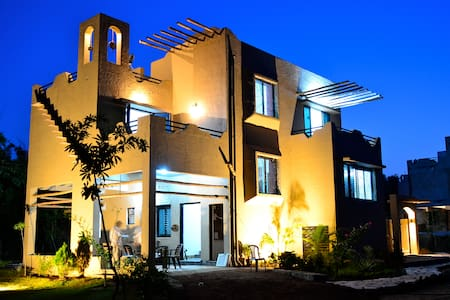 Luxury Villa With Breakfast at Pench Tiger Reserve