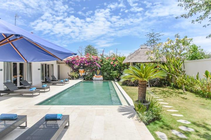 Brand New! Three Bedroom Villa w/ Pool in Bingin