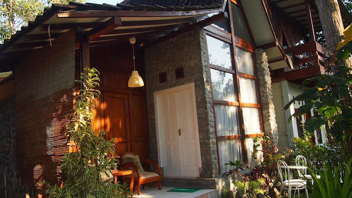 Honey Moon Cottage Garden View-Riverside Jogja