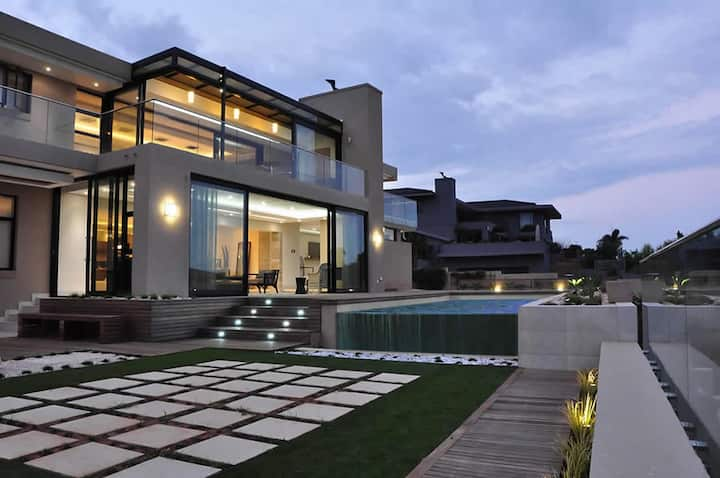 LuxeLife House