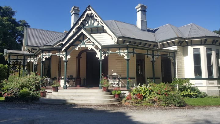 Historic Burnside Homestead - Oamaru B&B