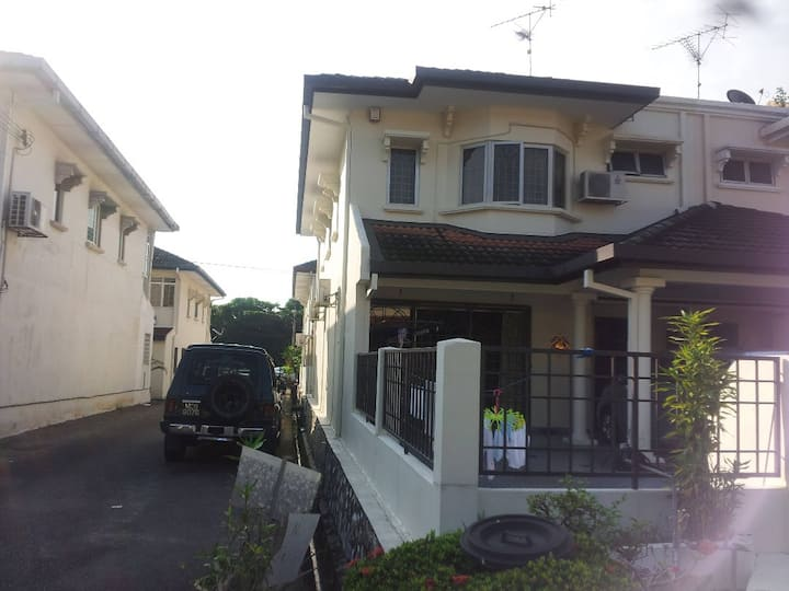 Bandar Utama MRT (BU2) Rooms for Rent