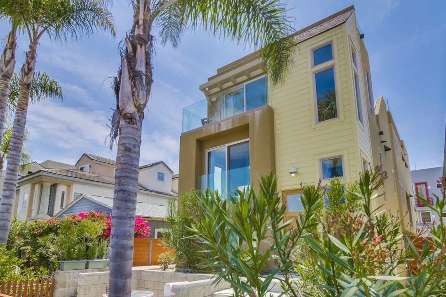 beach house w ocean view roof top deck private ground floor patio