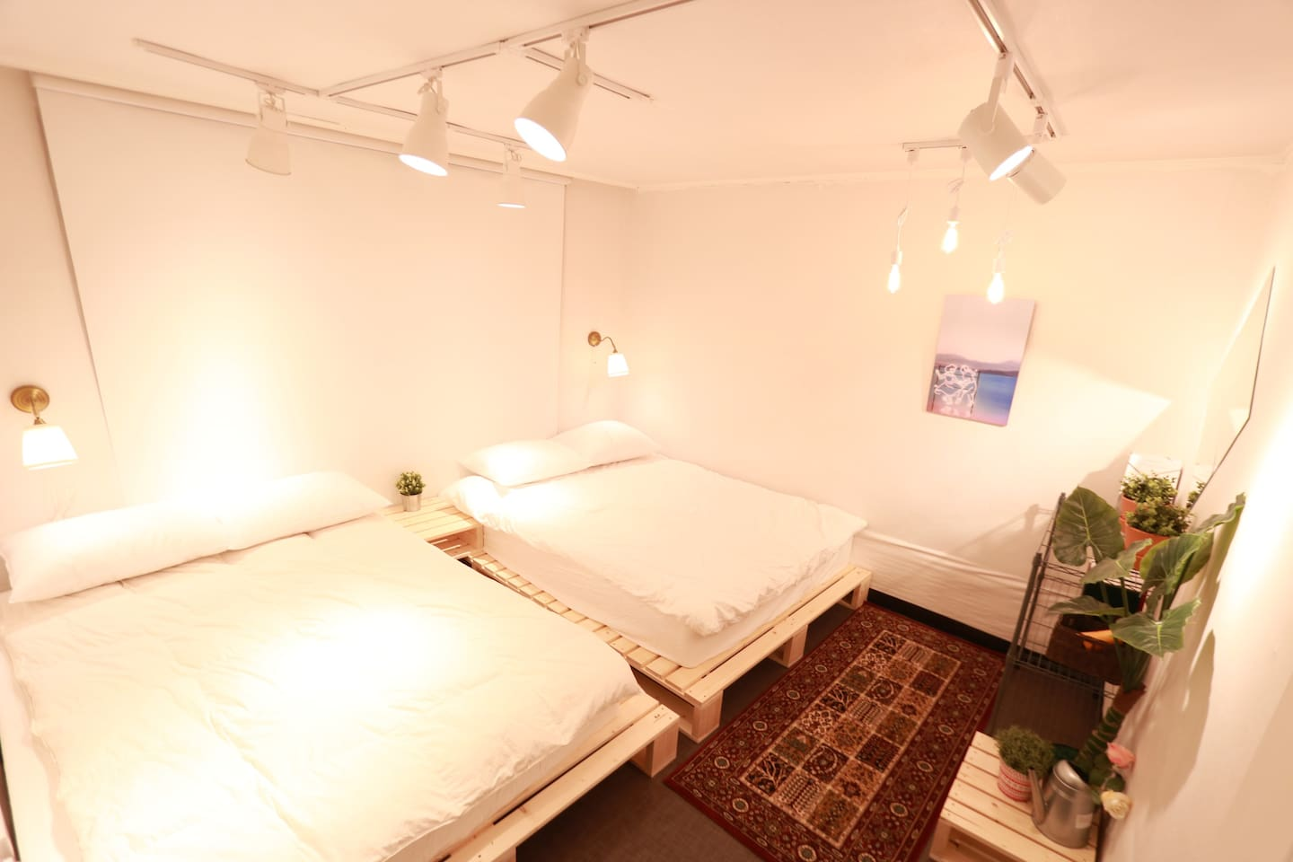 Private room for 2-4 people , 2 queensize bed