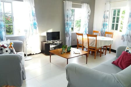 Spacious Home Near Hellshire Beach - Portmore - Aamiaismajoitus