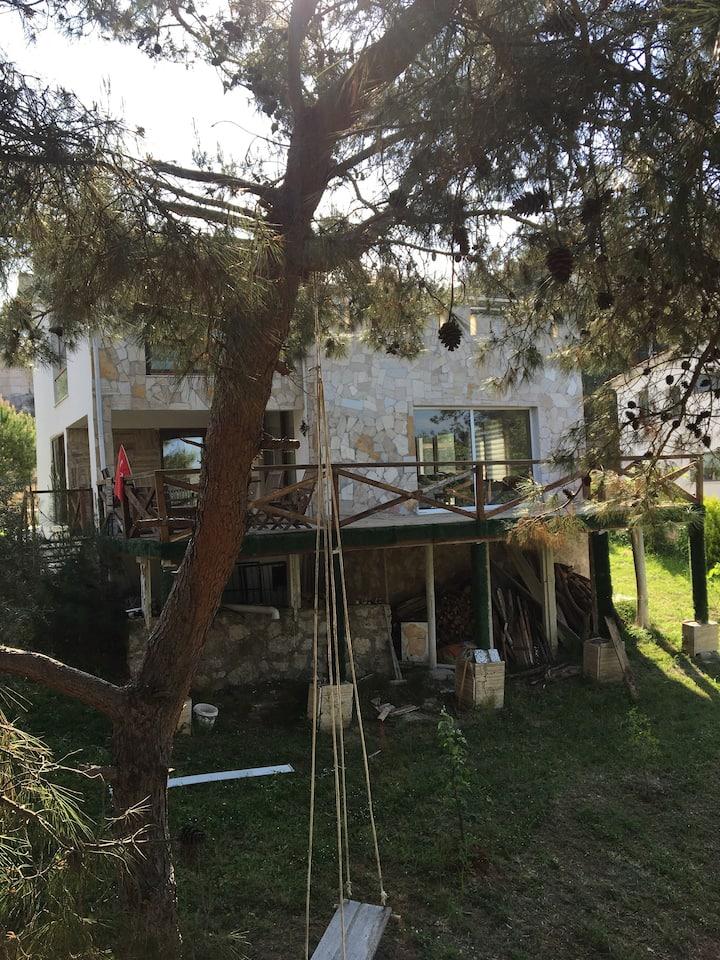 Güzelbahçe Ormanda Villa