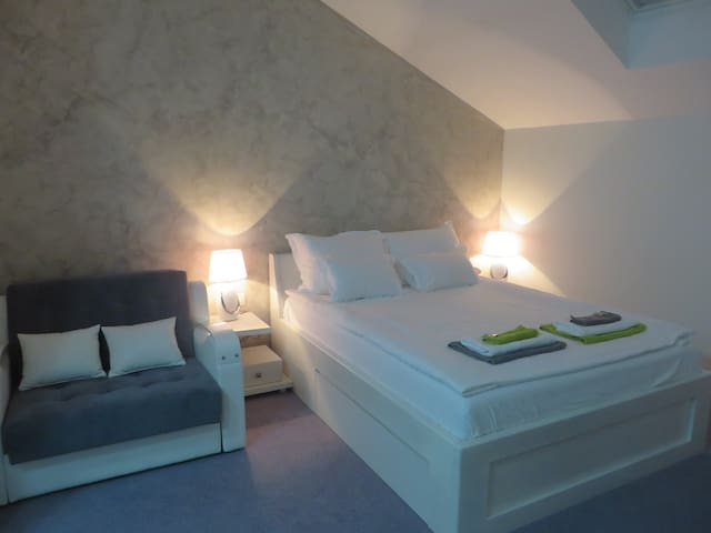 Comfort room with double bed