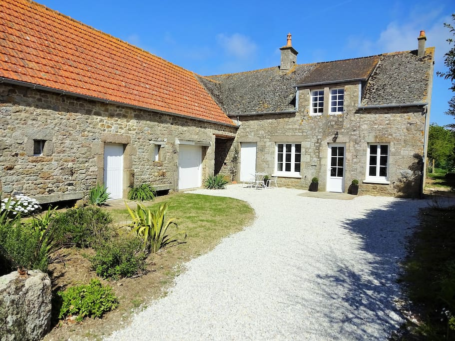 La petite maison vacation homes for rent in gouberville - La petite maison normandie ...