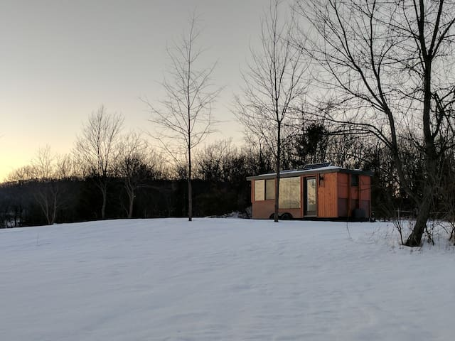 The Glass House: A Hudson Valley Tiny Home Escape - Marlboro - Cabaña
