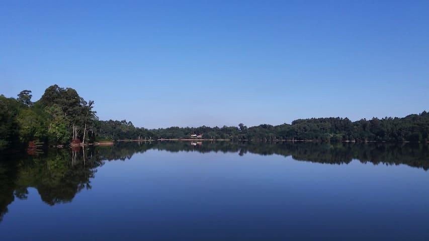 Paz y tranquilidad en Entorno Natural protegido