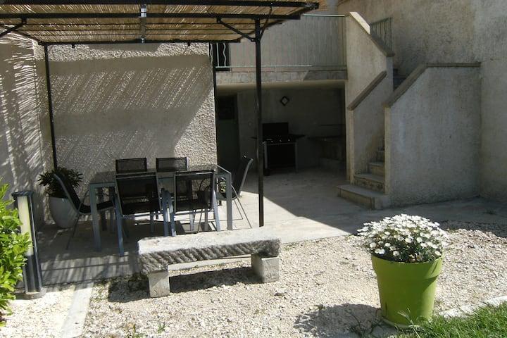 maison dans un village provençal