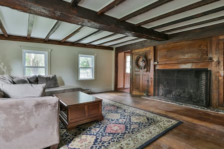 Renovated Antique Farmhouse, Beautiful Newburyport - ニューベリーポート - 一軒家
